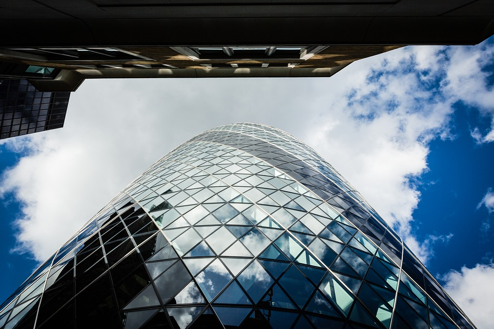 London-Sky-Office-Buildings-Glass-Reflection-1305081