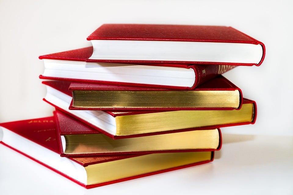 books-3083451_960_720.jpg