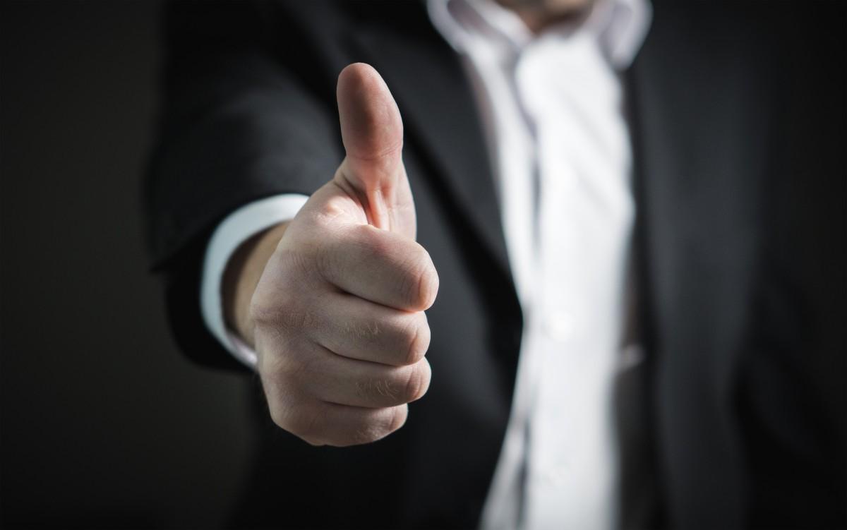 businessman_thumbs_up_success_hand_business_man_giving_agreement-1187307.jpg