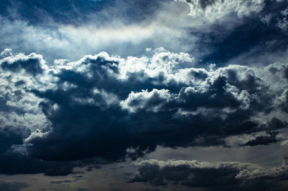 clouds-1404960_960_720.jpg