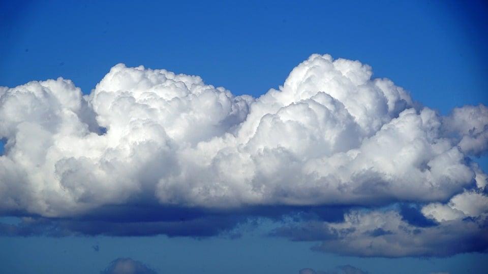 clouds-2143435_960_720.jpg