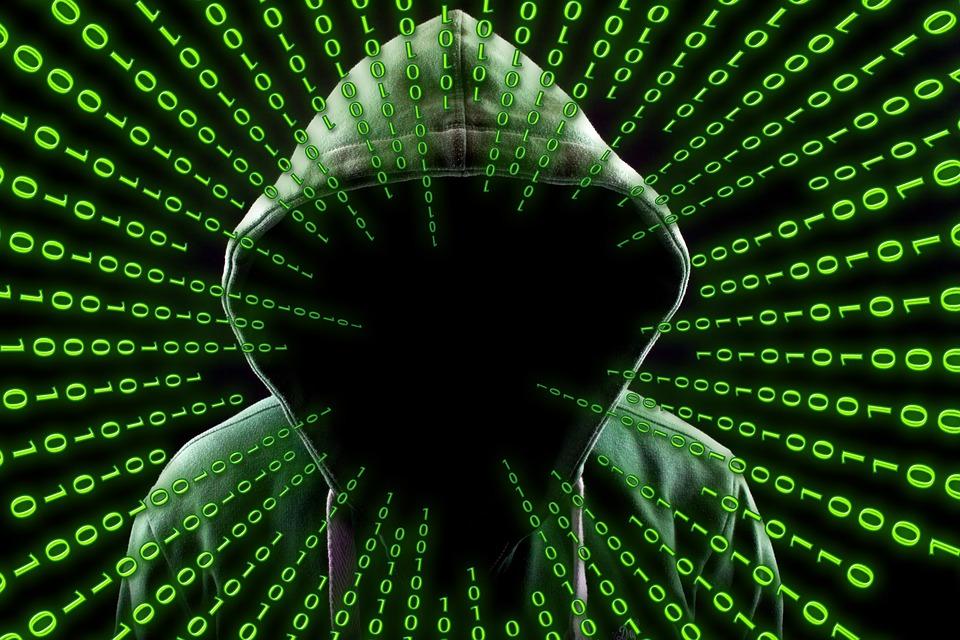 hacker-2883632_960_720.jpg