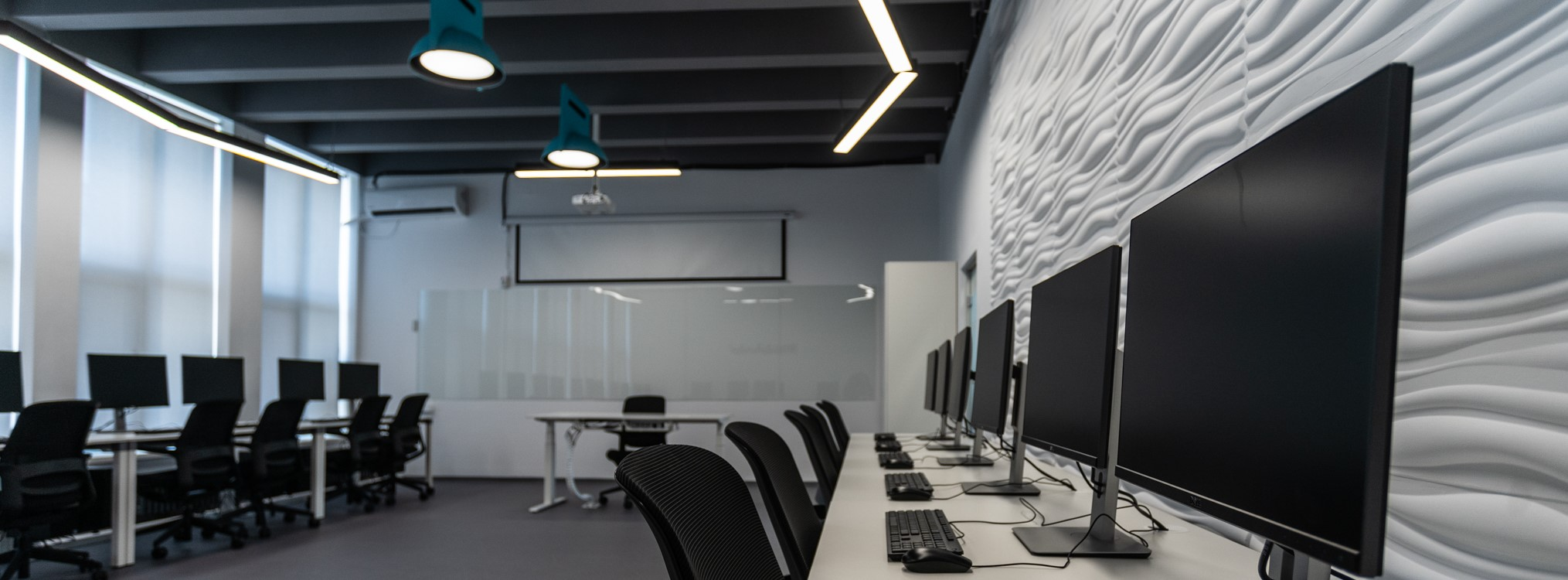 rsz-office-desk-workplace