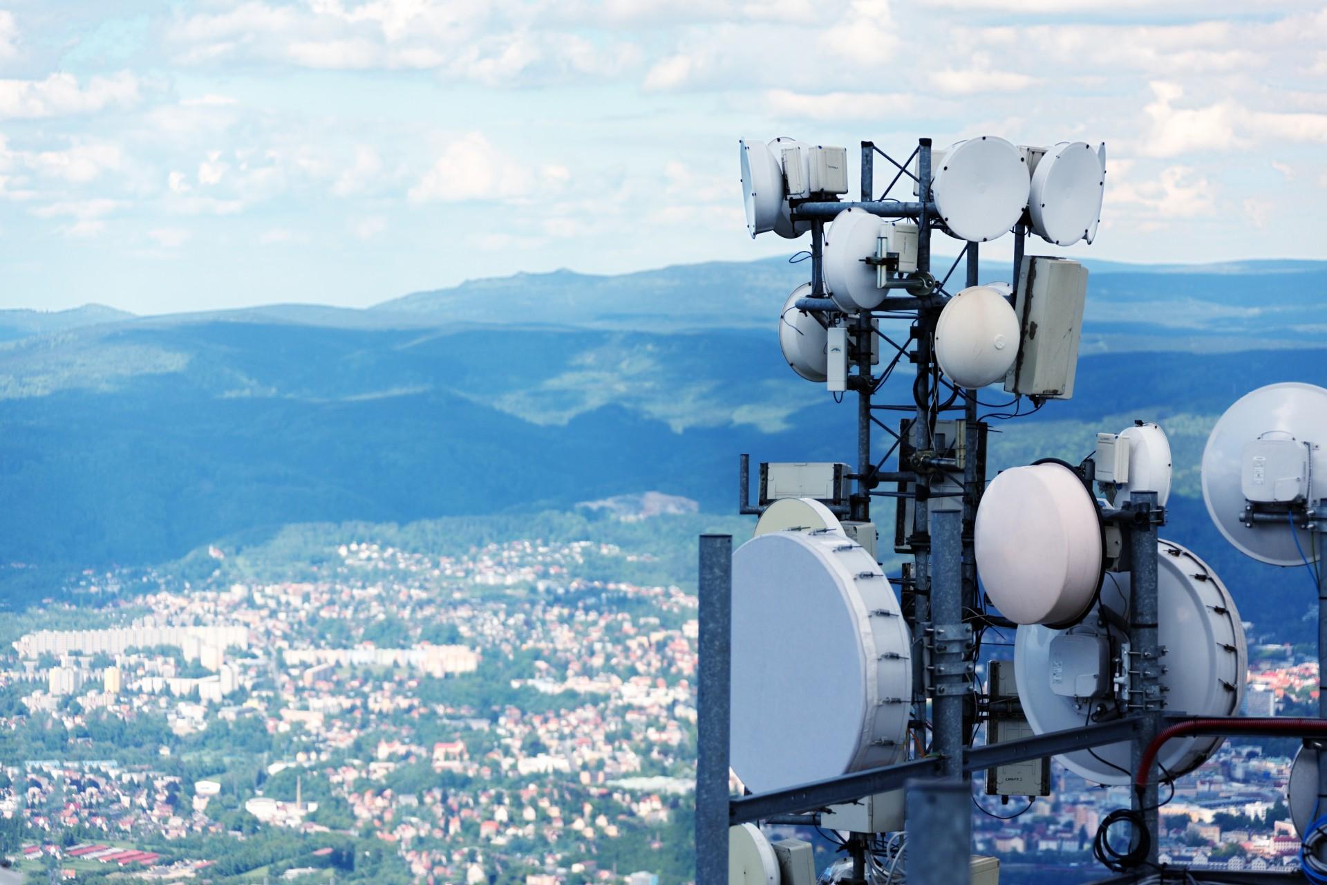telecommunication-antennas.jpg