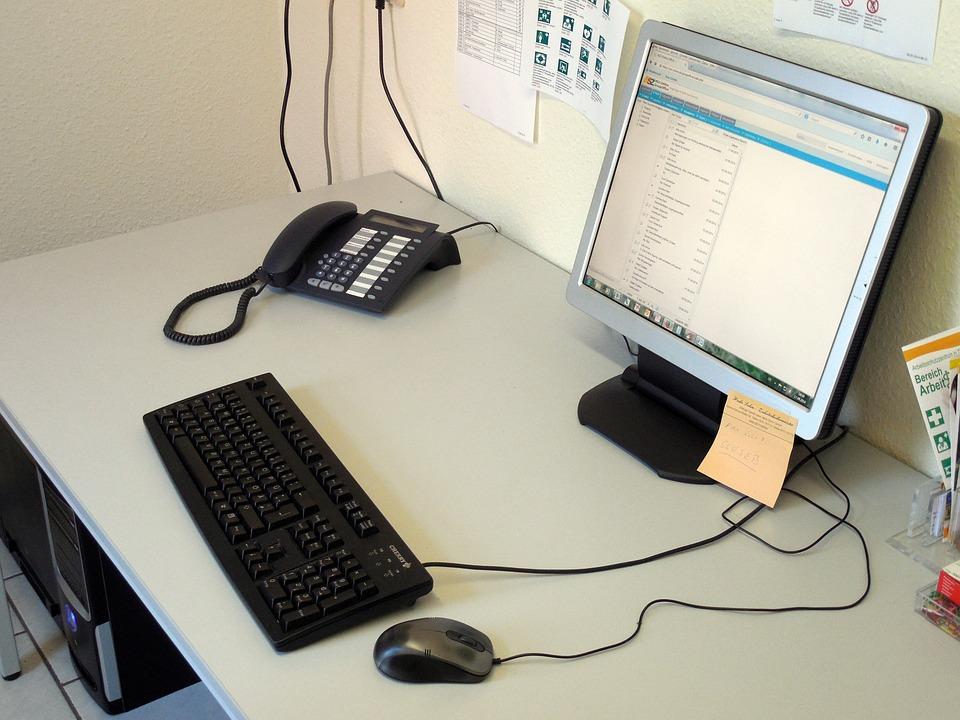 workplace-449341_960_720.jpg